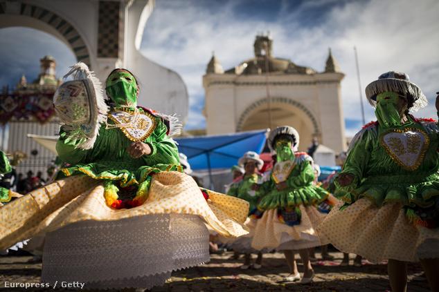 Bolíviai táncosok