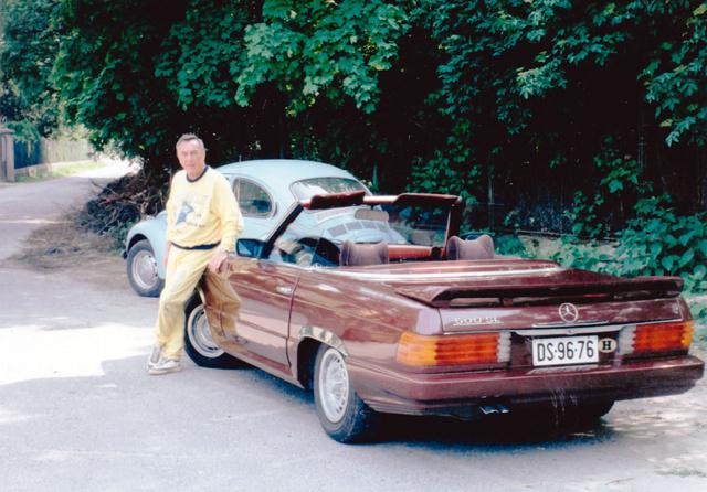 A nyolcvanas évek közepén a Mercedes W107-es mellett