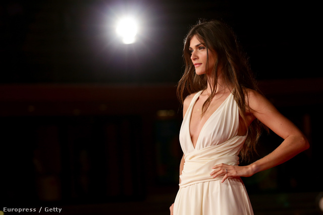 Elisa Sednaoui csütörtökön a Római Filmfesztivál megnyitóján tündökölt