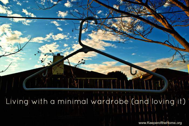 living-with-minimal-wardrobe  1399918908 70.78.46.203