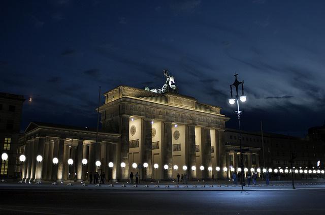 A berlini fal lebomlásának 25.évfordulóját ünneplik a német fővárosban.