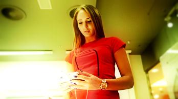 A pokolból a mennybe repít az iPhone-fetisizmus
