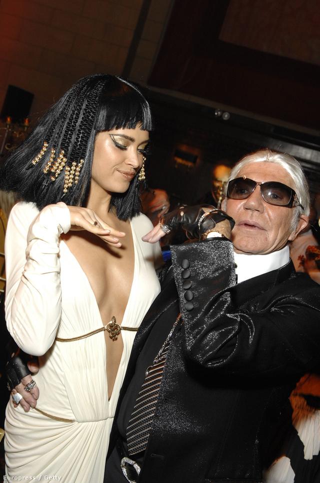 Roberto Cavalli 2007-ben a Cipriani Halloween bulijára öltözött be Karl Lagerfeldnek.