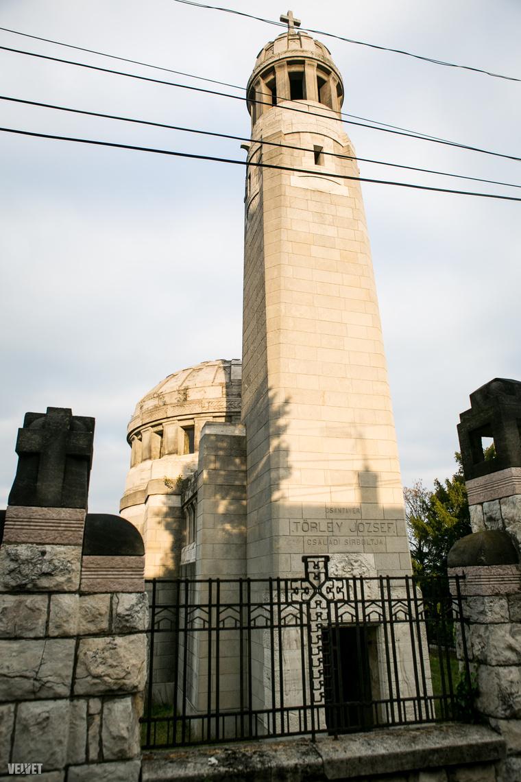 A Törley látogatóközpontjából nem messze a Törley mauzóleum