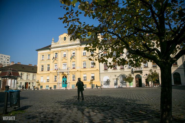 Óbuda, Fő tér és környéke