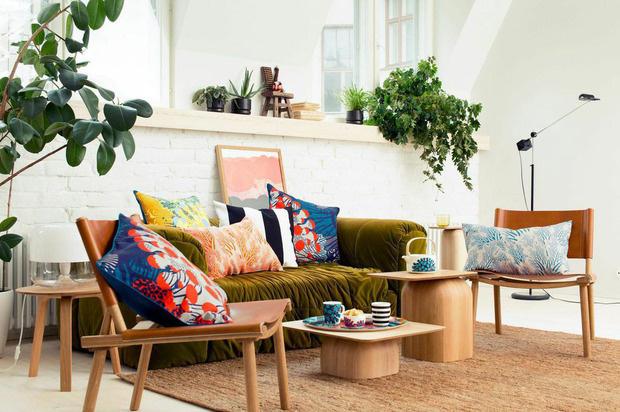 Az egyedi nyomatai és színhasználata által híressé vált finn textil és ruházati márka, a Marimekko elkészült 2015-ös tavaszi-nyári kollekciójával.