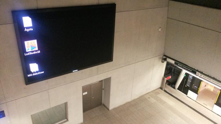 Ágota a 4-es metróban