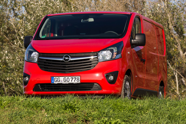 totalcar tesztek teszt opel vivaro 1 6 cdti biturbo 2014. Black Bedroom Furniture Sets. Home Design Ideas