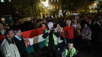 A korrupció ellen tüntettek Budapest belvárosában