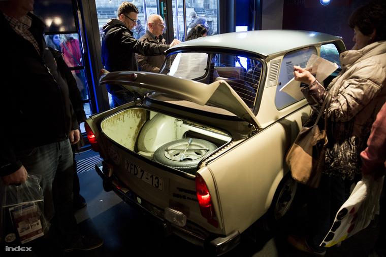 Van, aki már csak múzeumban látja a Trabantot, az NDK egyik jelképét.