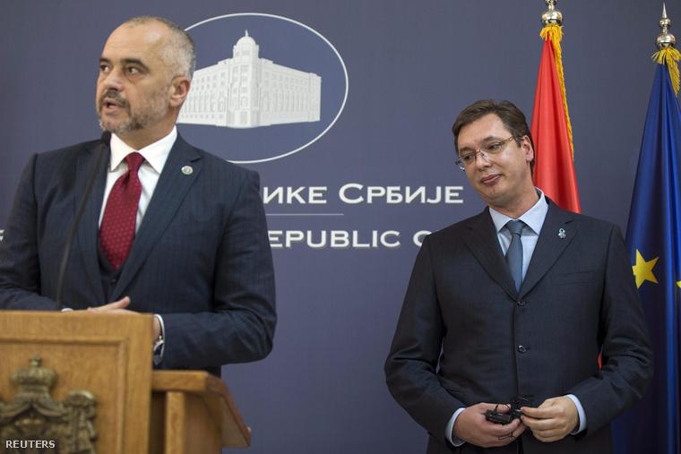 Edi Rama és Aleksandar Vučić a belgrádi sajtótájékoztatón