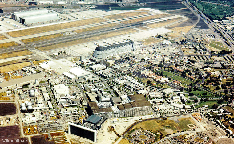 1024px-Aerial View of the NASA Ames Research Center - GPN-2000-0
