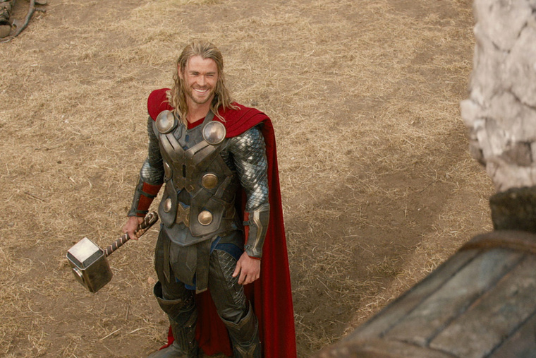 07-chris-hemsworth-thor