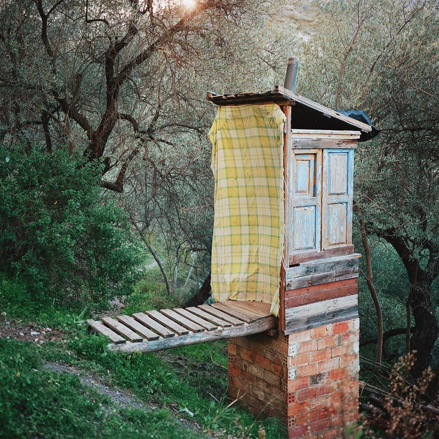 Komposztáló WC Sierra Nevadában, Spanyolországban.