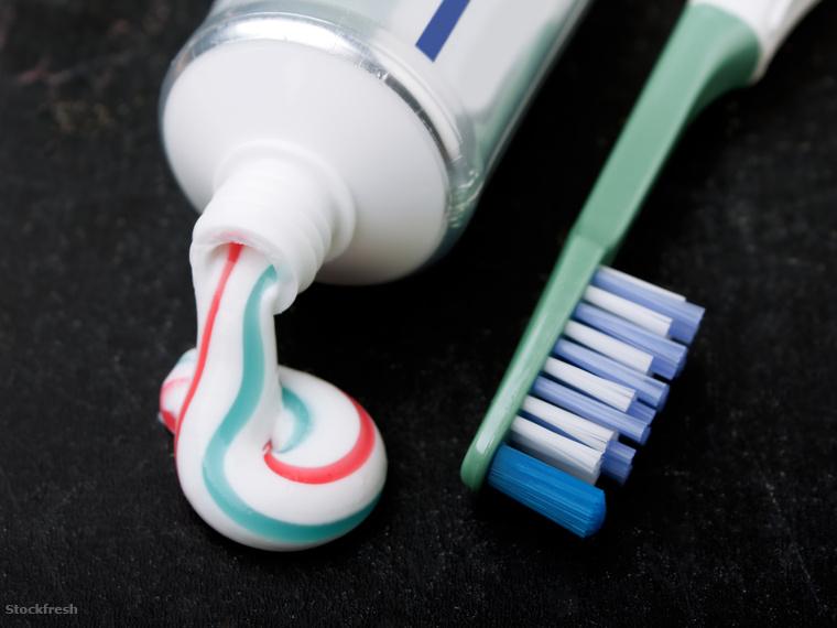 stockfresh 226781 toothpaste sizeM