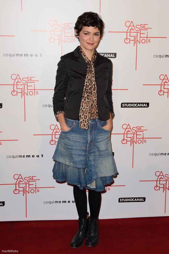 Audrey Tautou 2013-ban egy párizsi filmpremierre érkezett ebben a fodros szoknyában.