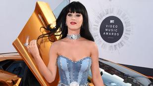 Katy Perry leperverzezte a zaklató lesifotósokat