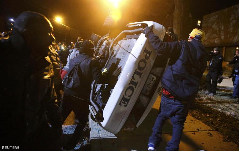 Viszonylag nyugodtan telt az éjszaka Fergusonban