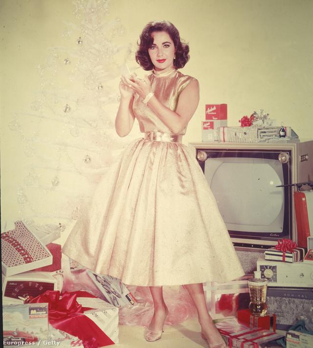 Elizabeth Taylorról az 1950-es években készült ez a karácsonyi portréfotó.