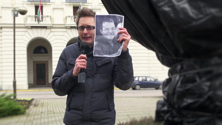 Mit keresne Simicska Lajos Veszprémben?