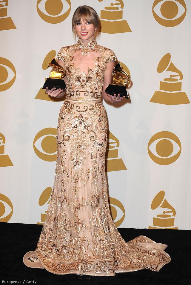 2012. február 12.: A Gramnmy gálán díjazták  Taylor Swift tehetségét.