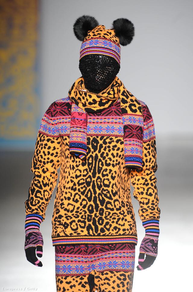 """Amit a napokban vonultattak fel a """"Fashion in Motion"""" rendezvény keretein belül a Victoria & Albert Múzeumban Londonban."""