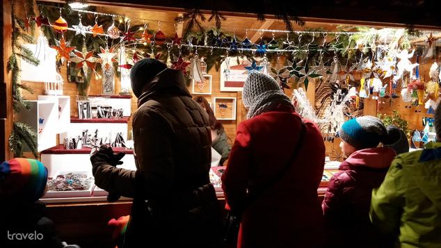 A Karlsplatz vásárán kézműves ajándékok között válogathatunk