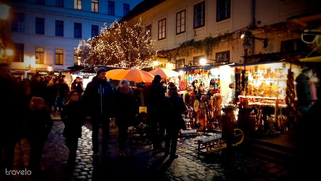 Az volt a gyanúnk, hogy a Spittelberg-negyed vásárán több volt a helyi, mint a turista
