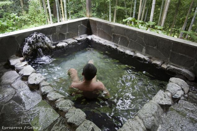 Onsen fürdő, Japán
