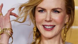 Nicole Kidman melltartó nélkül mutatja meg bájait