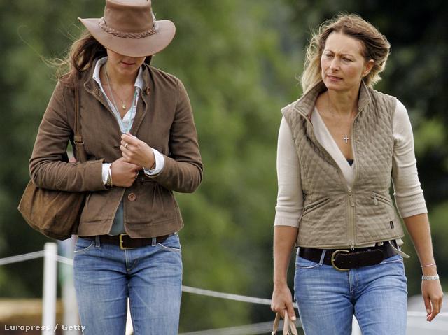 2005-ben Carole és Kate a Gatcombe parkban rendezett buliba, a Festival of British Eventing-re igyekszik.