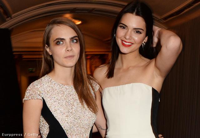 Az eles két helyezett Kendall Kenner és Cara Delevingne.