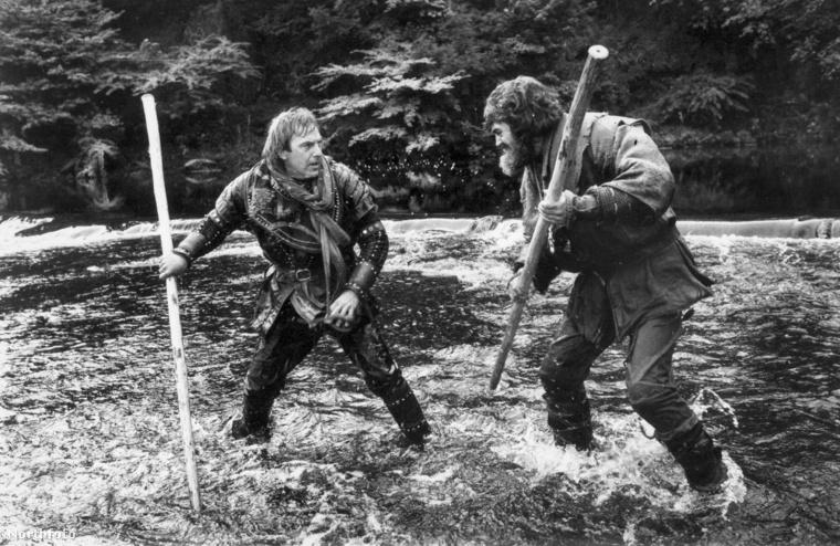 Balra Robin Hood, jobbra Little John