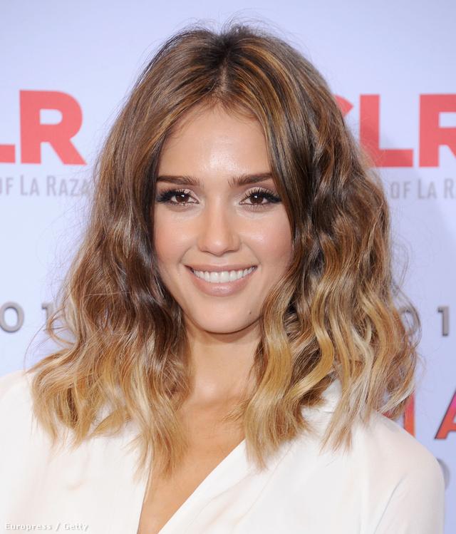 Jessica Alba is bevállalta a már egyébként is elcsépelt ombre frizurát.