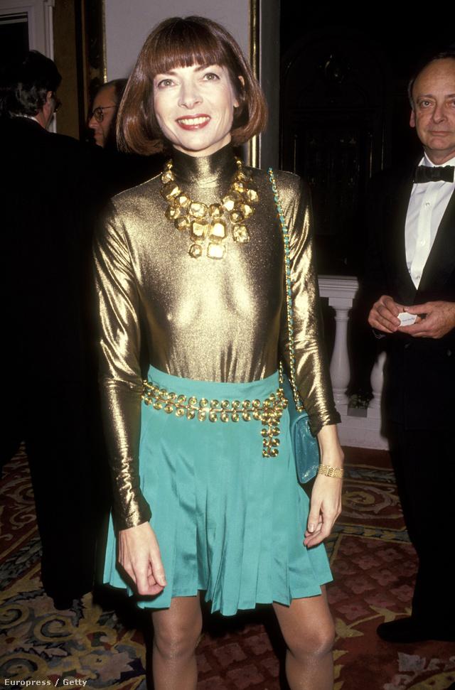 Wintour a 90-es elején szerette a feltűnő kiegészítőket is.