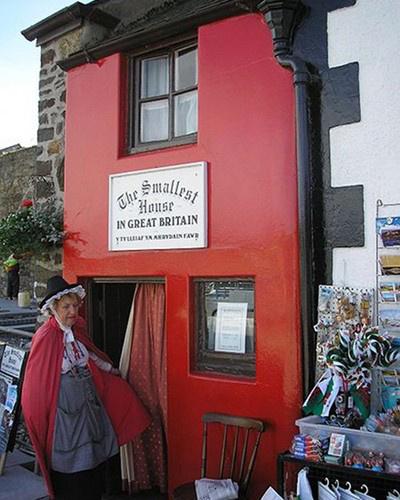 A Quay House névre keresztelt épületet 1900-ben építették a walesi városba.