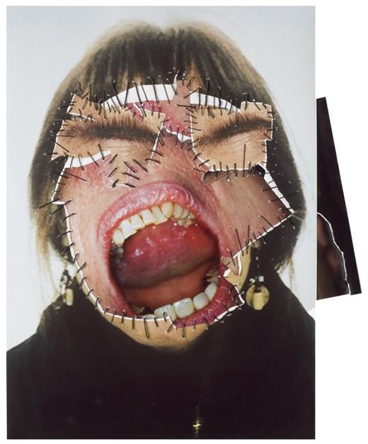 Az 1946-ban született Soltau saját arcát és testét ábrázoló munkái nagyban befolyásolták a hetvenes és a nyolcvanas évek feminista művészeit.