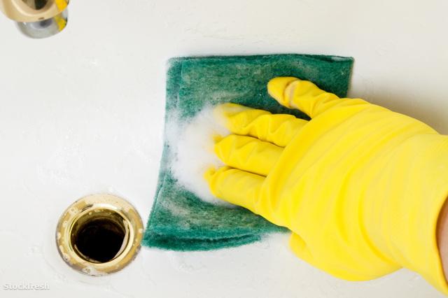 stockfresh 139376 cleaning-bathroom-tile-washbowl sizeM