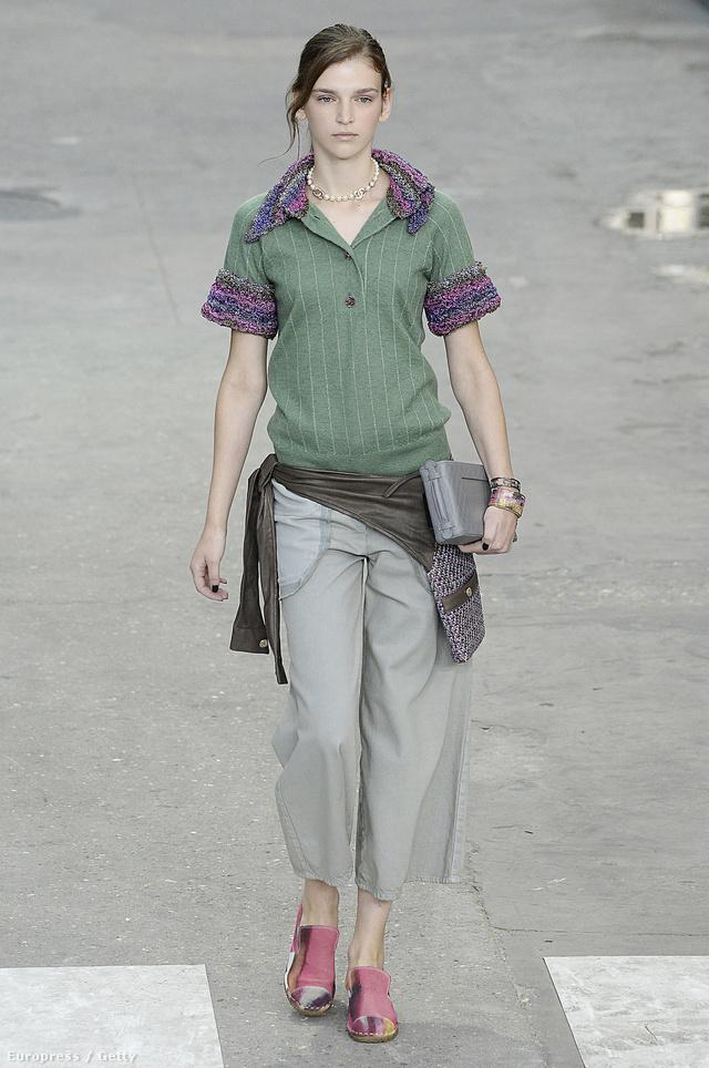 Így jár dolgozni egy modern a Chanel szerint.