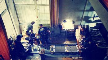 Egy amerikai filmben is feltűnik a csodaszép Napraforgó utcai villa