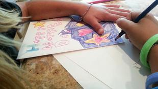 A gyerek rajzait kidobni bunkóság?