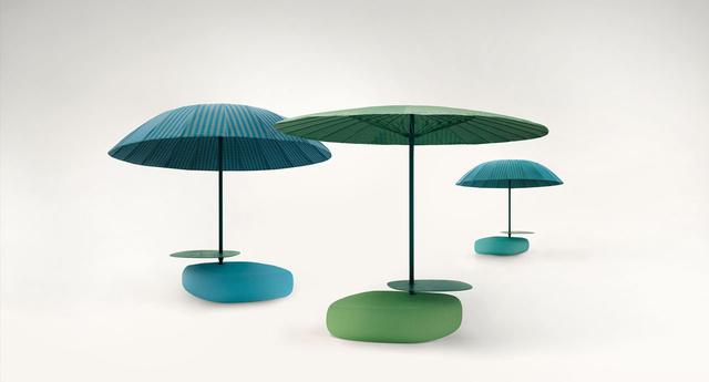 Két klasszikus formát választott a tervező az ernyőknek.