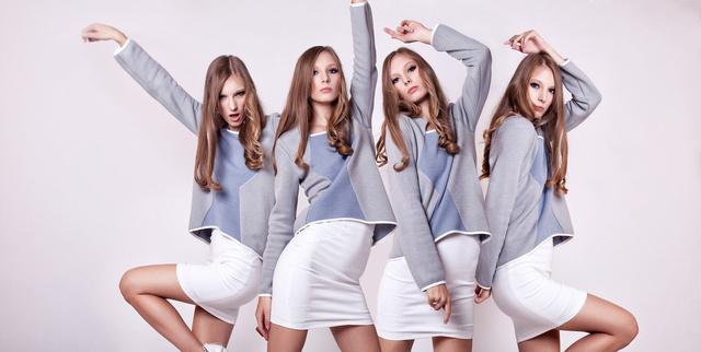 A WonderLAB-ben Gabó Szerencsés ruhái is kaphatók, például ez a pulóver.