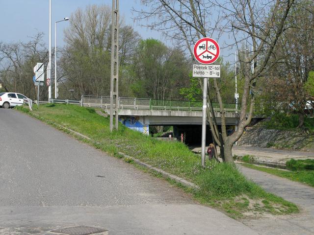 Hétvégén biciklizni tilos! Normálisak ezek? Nem