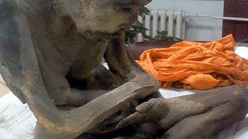 A 200 éves múmia nem halott, csak nagyon mélyen meditál