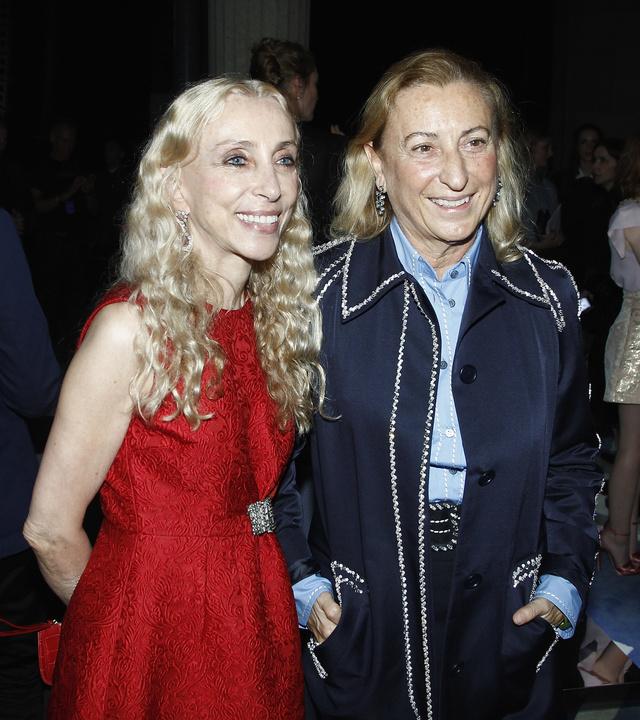Itt pedig Franca Sozzanival, aki az olasz Vogue főszerkesztője
