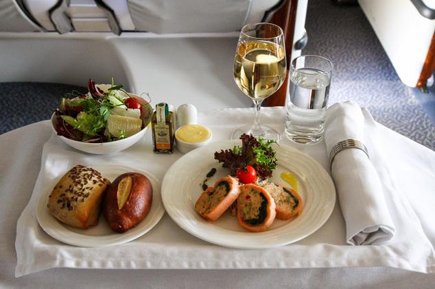 Fedélzeti ellátmány, Emirates