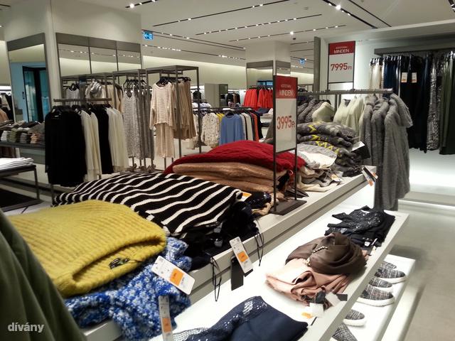 Zara, WestEnd: nem vernek át a táblák