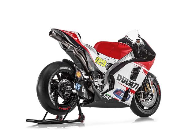 2015-Ducati-Desmosedici-GP15-MotoGP-photos-07