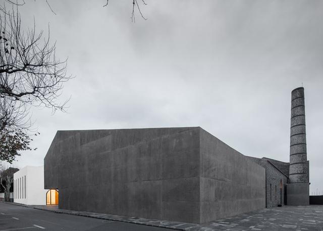 A betonból készült kortárs művészeti központot is jelölték a díjra.